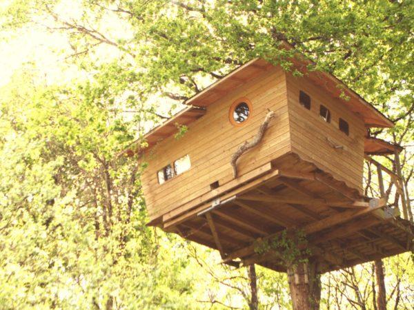 Cabane dans les arbres La Cabane perchée Neh er lenn