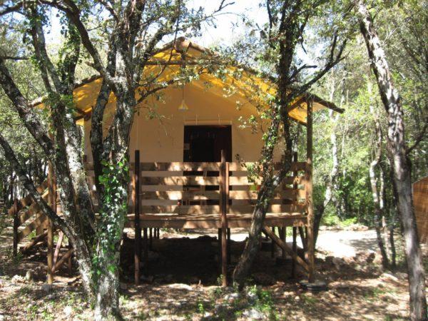 Lodge safari Tente lodge sur pilotis